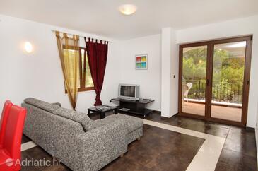 Vrbnik, Living room in the apartment.