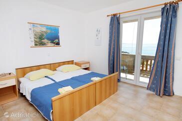 Stara Baška, Bedroom in the room.