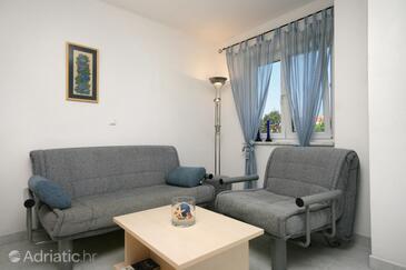 Pinezići, Obývací pokoj v ubytování typu apartment, WiFi.