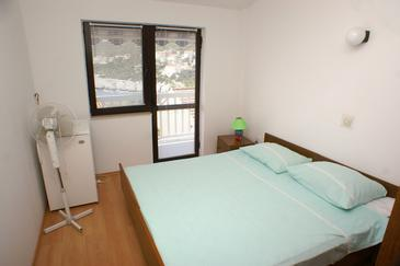 Zavalatica, Bedroom in the room, (pet friendly) and WiFi.