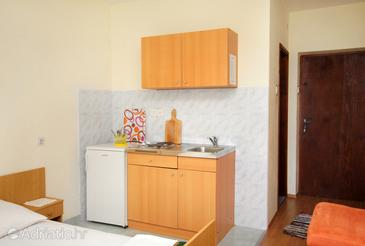 Klenovica, Kitchen in the studio-apartment, dopusteni kucni ljubimci.