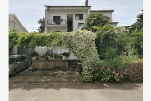 Апартаменты с парковкой Нивице - Njivice (Крк - Krk) - 5476