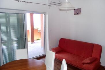 Novi Vinodolski, Столовая в размещении типа apartment, доступный кондиционер, Домашние животные допускаются и WiFi.