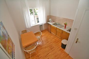 Selce, Столовая в размещении типа apartment, Домашние животные допускаются и WiFi.