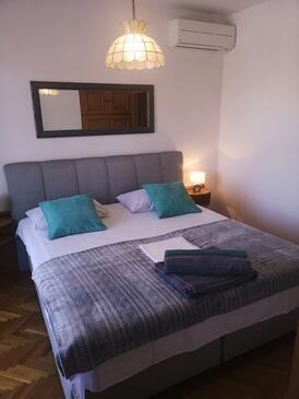 Selce, Ložnice v ubytování typu room, domácí mazlíčci povoleni a WiFi.