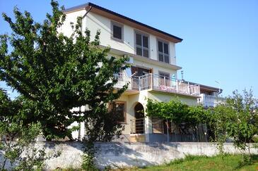 Novi Vinodolski, Novi Vinodolski, Property 5482 - Apartments with pebble beach.