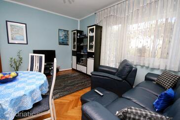 Crikvenica, Living room in the apartment, dostupna klima, dopusteni kucni ljubimci i WIFI.