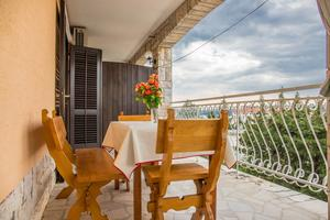 Apartments and rooms with parking space Crikvenica - 5492