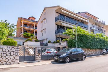 Crikvenica, Crikvenica, Objekt 5494 - Ubytování s oblázkovou pláží.
