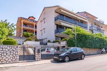 Crikvenica, Crikvenica, Objekt 5494 - Apartmani sa šljunčanom plažom.