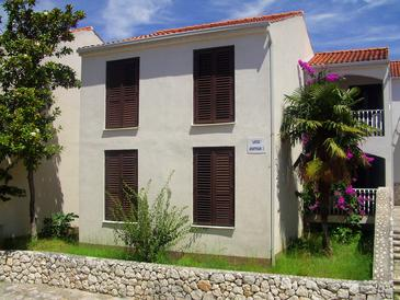 Podstrana, Split, Property 5500 - Apartments near sea with pebble beach.