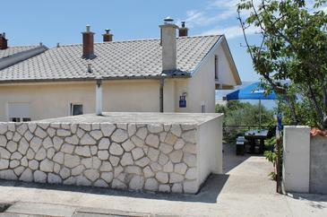 Novi Vinodolski, Novi Vinodolski, Obiekt 5506 - Apartamenty ze żwirową plażą.