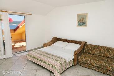 Crikvenica, Living room in the apartment, dostupna klima.