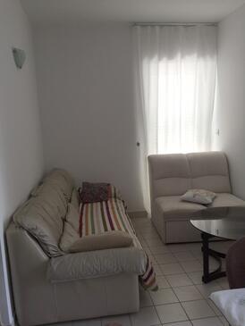 Novi Vinodolski, Living room in the apartment, dopusteni kucni ljubimci.