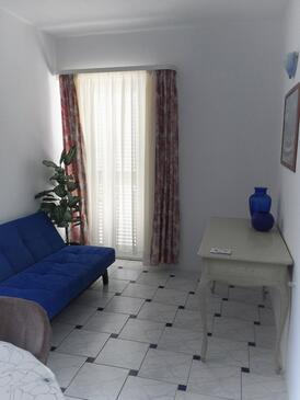 Novi Vinodolski, Obývací pokoj v ubytování typu apartment, domácí mazlíčci povoleni a WiFi.