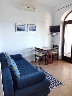 Klenovica, Sufragerie în unitate de cazare tip apartment, aer condiționat disponibil şi WiFi.