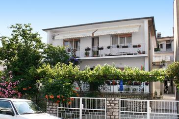 Selce, Crikvenica, Property 5550 - Apartments near sea with pebble beach.