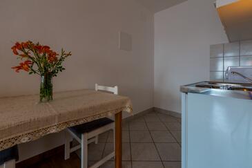 Dramalj, Jídelna v ubytování typu studio-apartment, WIFI.
