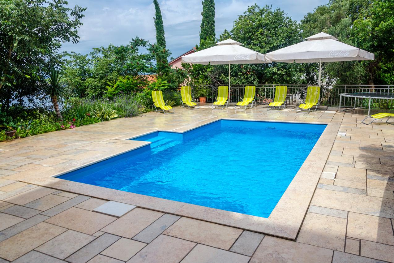 Crikvenica s bazénem