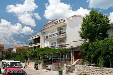 Crikvenica, Crikvenica, Objekt 5553 - Apartmani sa šljunčanom plažom.