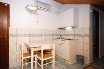 Crikvenica, Jadalnia w zakwaterowaniu typu studio-apartment, dopusteni kucni ljubimci i WIFI.