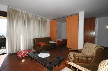 Crikvenica, Living room in the apartment, dostupna klima i WIFI.