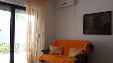 Klenovica, Obývacia izba v ubytovacej jednotke studio-apartment, WIFI.