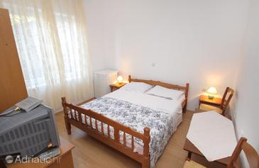 Senj, Dormitorio in the room, (pet friendly) y WiFi.