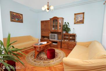 Senj, Woonkamer in the apartment, air condition available en WiFi.