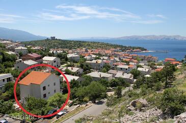 Senj, Senj, Objekt 5562 - Apartmani sa šljunčanom plažom.