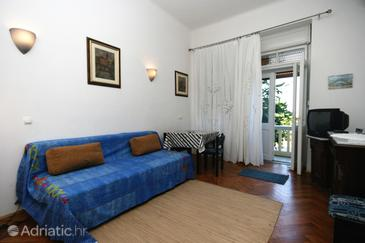 Crikvenica, Eetkamer in the apartment, air condition available en WiFi.