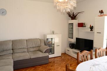 Senj, Sala de estar in the apartment, WiFi.