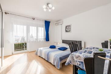 Klenovica, Гостиная в размещении типа apartment, доступный кондиционер, Домашние животные допускаются и WiFi.