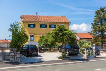 Crikvenica, Crikvenica, Objekt 5585 - Apartmaji v bližini morja s prodnato plažo.