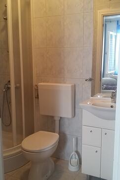 Bathroom 2   - A-559-b