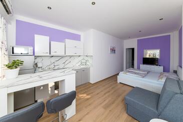 Dramalj, Kuchyně v ubytování typu studio-apartment, s klimatizací a WiFi.