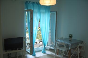 Dramalj, Jídelna v ubytování typu apartment, s klimatizací a WiFi.