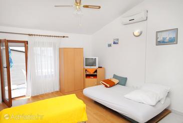 Novi Vinodolski, Living room in the apartment, dostupna klima, dopusteni kucni ljubimci i WIFI.
