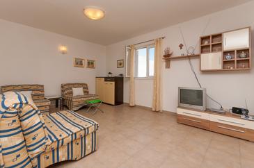 Supetar, Pokój dzienny w zakwaterowaniu typu apartment.