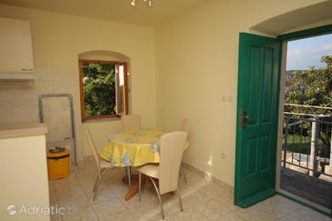 Nerežišća, Dining room in the studio-apartment, dopusteni kucni ljubimci.