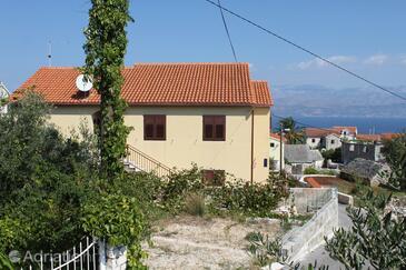 Supetar, Brač, Property 5628 - Apartments with pebble beach.