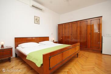 Hvar, Bedroom in the room, dostupna klima.