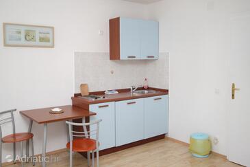 Bol, Kitchen in the studio-apartment, WIFI.