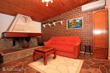 Bol, Living room in the apartment, dostupna klima i WIFI.