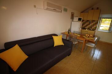 Sumartin, Obývací pokoj v ubytování typu apartment, s klimatizací a WiFi.