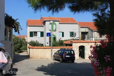 Supetar, Brač, Property 5648 - Apartments with pebble beach.