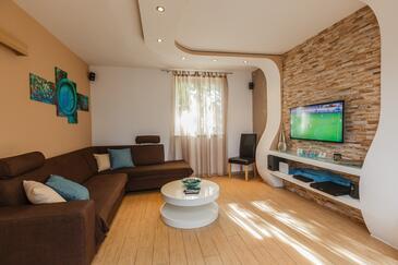 Milna, Living room in the house, dostupna klima, dopusteni kucni ljubimci i WIFI.