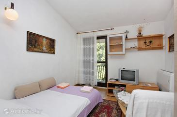Supetar, Living room in the apartment, air condition available.