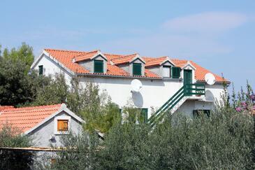Mirca, Brač, Objekt 5655 - Ubytování v blízkosti moře s oblázkovou pláží.
