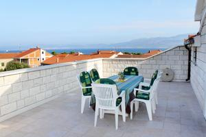 Apartments and rooms with parking space Supetar (Brač) - 5658